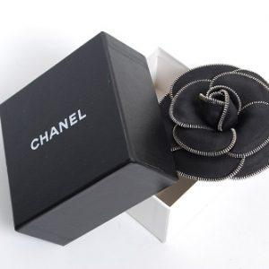 Брошка Chanel